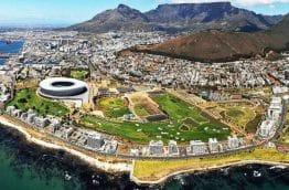Vue ae2rienne de Cape town et de la Table Mountain
