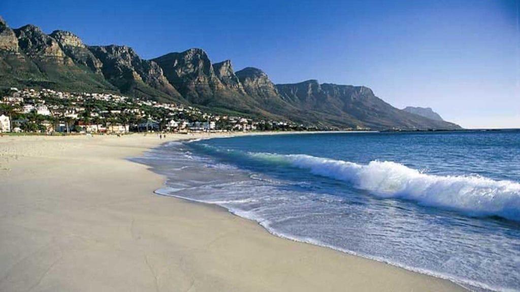 plages-camps-bay-beach-afrique-du-sud-decouverte