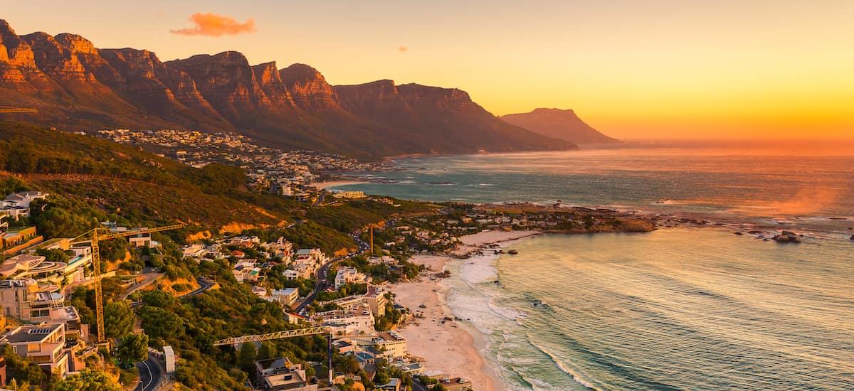 Les 12 apostes au Cap au coucher du soleil