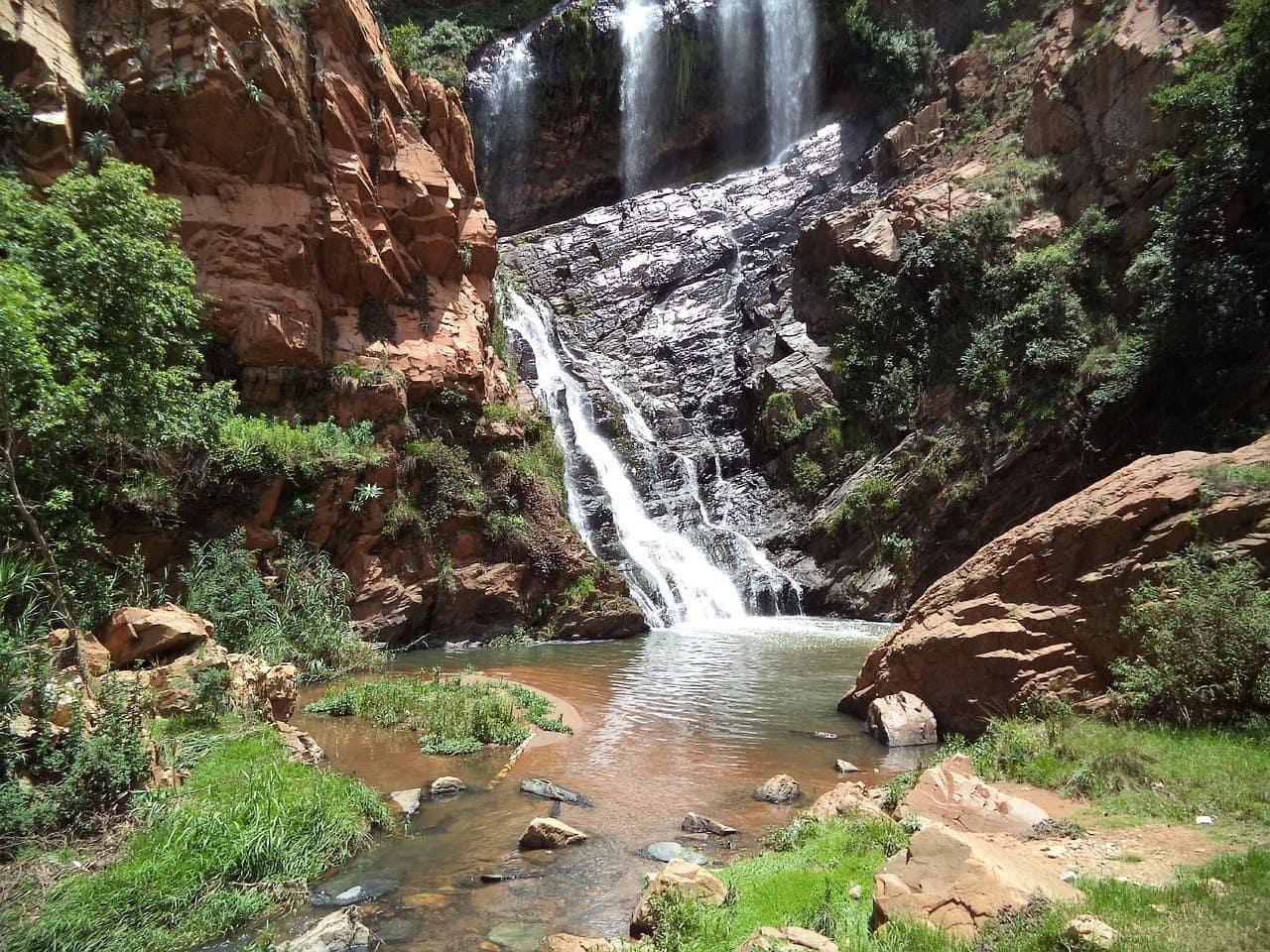 walter-sisulu-cascade-afrique-du-sud-decouverte